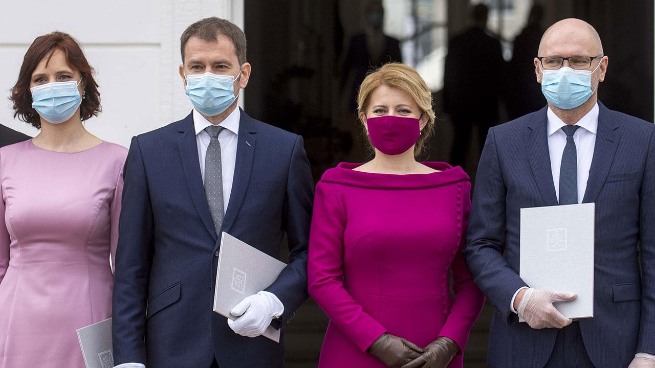 あべの マスク 寄付